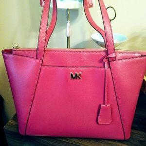 Micheal kors pink tote